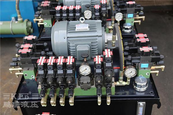 5kw包装机械液压系统  5,采用接线盒电磁阀优点:比灯头式电磁阀的电线