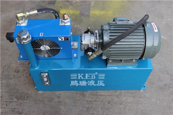 液压站油温控制电路图