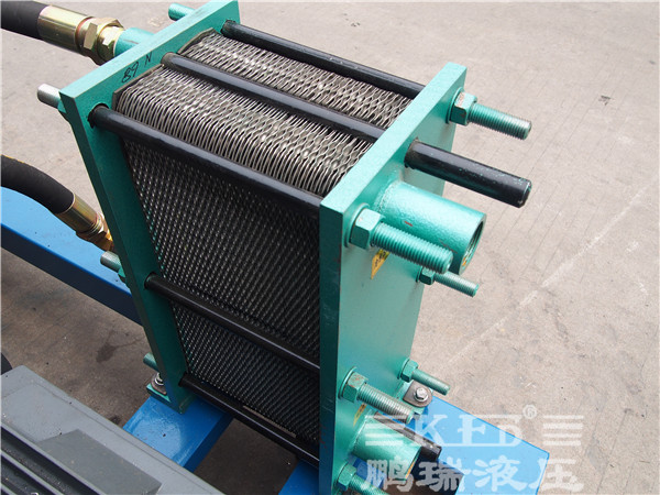 【鹏瑞快讯】广东佛山通润机械厂订的全自动热剪机液压系统于今天完美图片