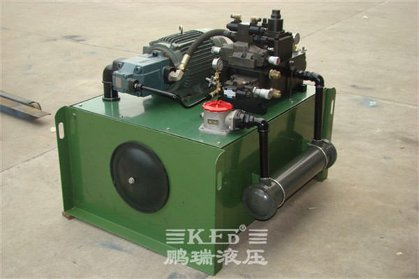 3 米龙门磨床液压站的工作原理 电机带动油泵旋转,泵从油箱中吸油图片