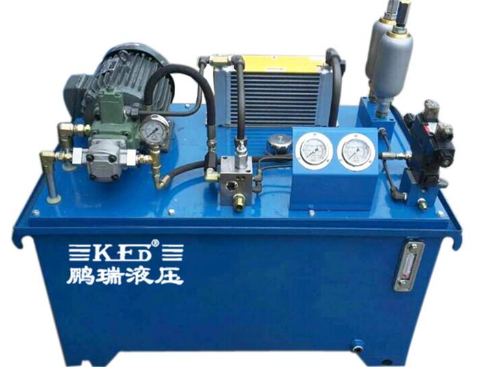 横梁配重 液压站的工作原理 电机带动油泵旋转,泵从油箱中吸油供油图片