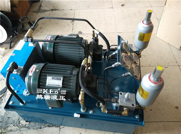1,采用台湾品牌液压系统专用电机.  2,采用低压低噪音vp系列叶片泵.图片