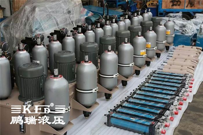 鹏瑞液压油缸的特点: 按结构特点分:活塞缸
