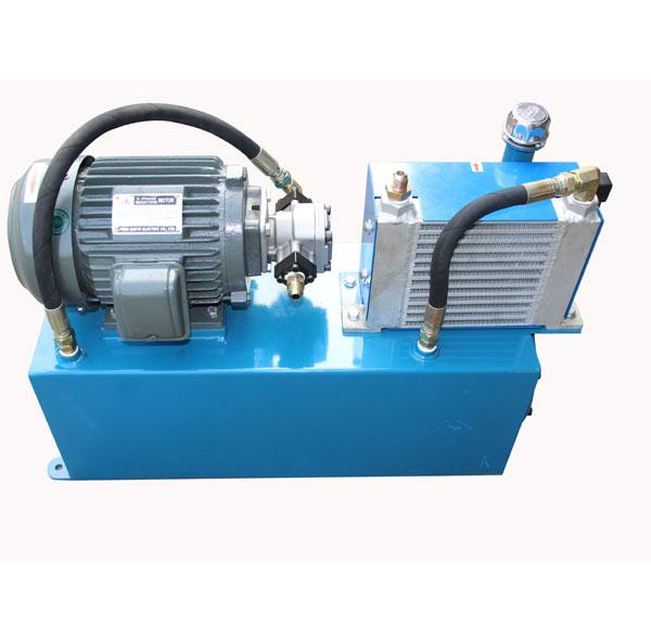 牵引机液压站