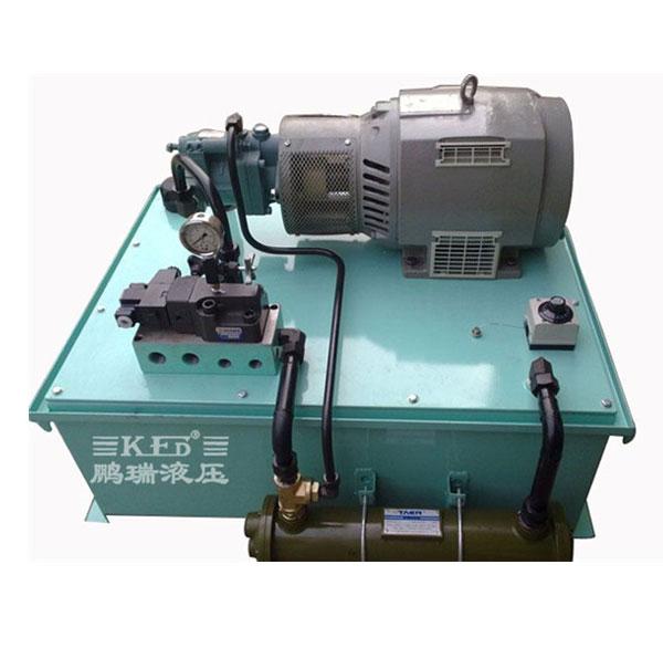 汽车单动扩管机液压系统